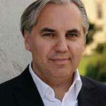 Georg Kindel ist Herausgeber und Chefredakteur des OOOM-Magazins und Autor des Buches Der Welt-Geist